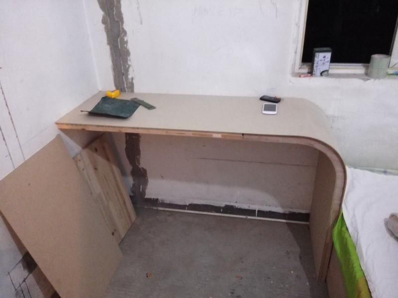 木工装修电脑桌