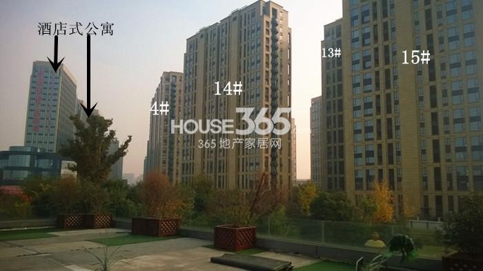 2014年11月底中国铁建国际城项目实景--酒店式公寓及住宅4、13-15号楼