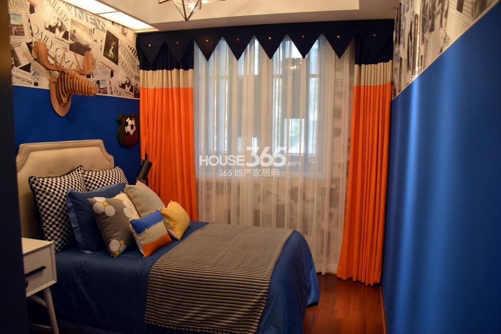 银亿东城C1户型样板间——卧室