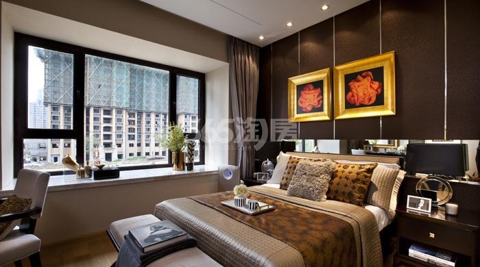 雅居乐中心广场8#楼160平样板间卧室