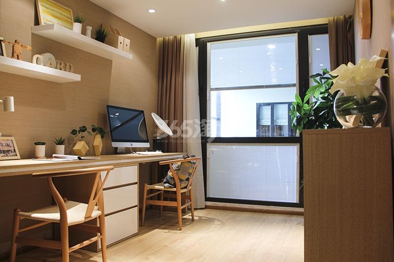 苏宁悦城三期93平样板间书房
