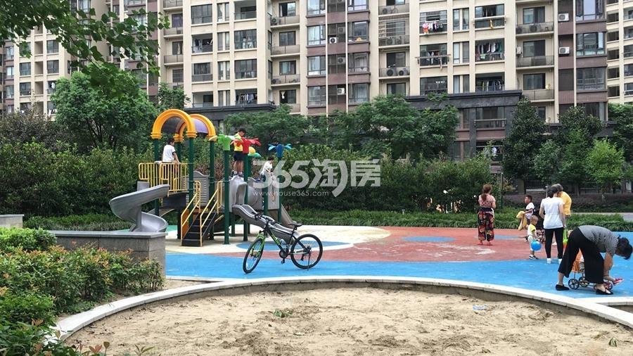 三潭音悦小区配套实景图(2017.8摄)