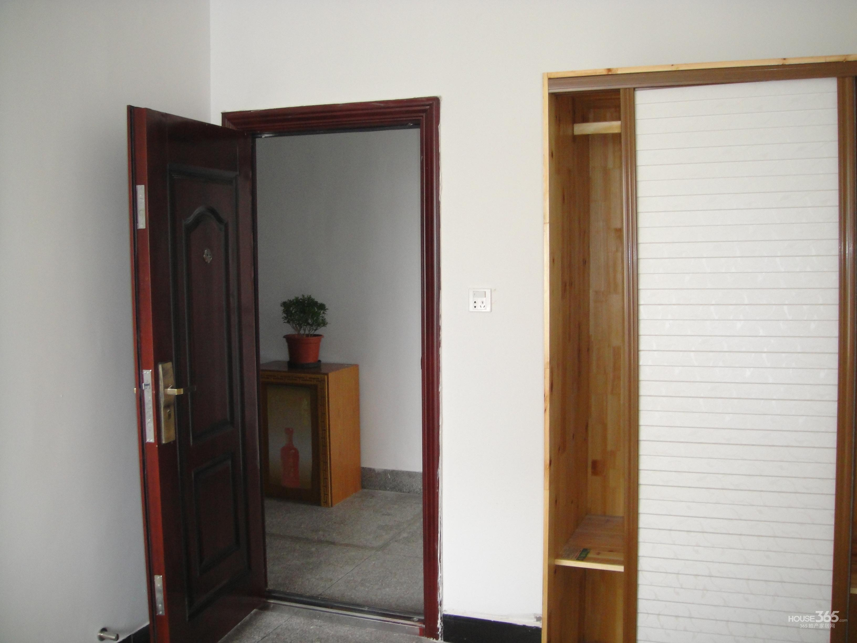 木渎西街酒店式公寓1室1厅1卫30�O整租简装