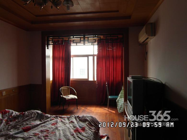 新民新村3室2厅1卫110.00�O合租不限男女精装
